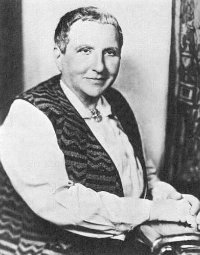 gertrude stein essay pictures Pictures newsletters poem of the week: colored hats by gertrude stein in an illuminating essay on tender buttons.